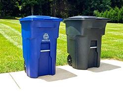 垃圾桶的位置也很特别